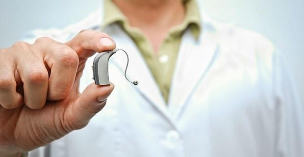 Czym są inteligentne wzmacniacze słuchu?